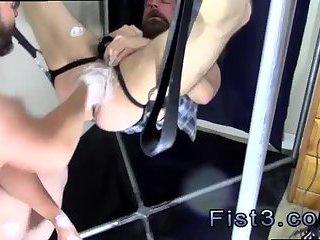 fetish,fisting,anal fisting,brunette,dominating,fetish sex,fisting sex,gay Punch Fisting Bo