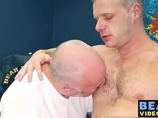 Cumshot,Fat,daddy,gay,cock,hardcore,big dick,hairy,big,doggy,HD Bears Brian Bonds...