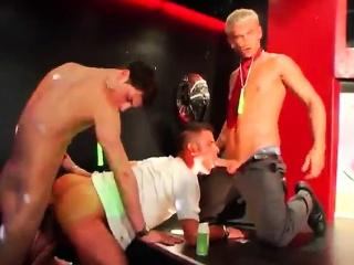 Amateur (Gay),Gangbang (Gay),Gays (Gay),Group Sex (Gay),Twinks (Gay) Hot gangster gay...