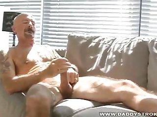 gay Nik Spills His Cream