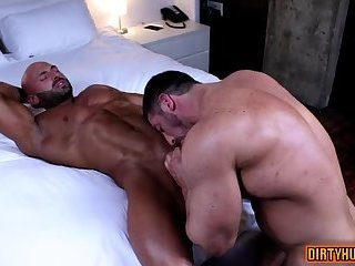 oral sex,bodybuilder,muscle,gay Muscle...