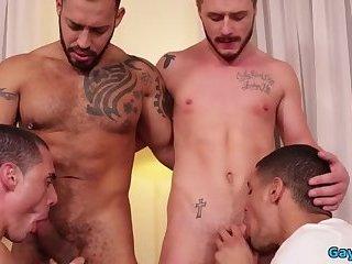 Blowjob,gay,Sucking cock,musle Hot gay flip flop...
