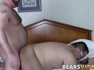 Big Cock,Fat,Rimming,Bareback,bear,gay sex,jock,glasses,hardcore gay,bearsvideos,Tank Phillip,gay,HD Gorgeous bear...