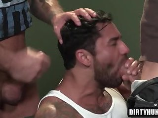 Anal,Hunks,Threesome,gay,bear,facial,group sex,muscle,muscled Muscle bear...