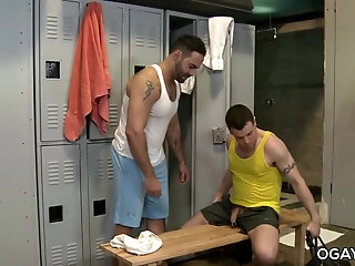 Anal,Hunks,Mature,Rimming,oral,anal sex,deep throat,muscled,athletic,uncut cock,gay Jessie fucks...