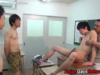 gay Tugged asian...