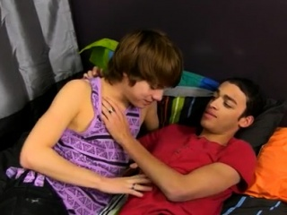 Amateur (Gay),Blowjob (Gay),Emo Boys (Gay),Gays (Gay),Twinks (Gay) Gay porn movie...