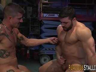 Anal,Big Cock,Body Builders,Blowjob,muscle,gay Ripped guy rides...