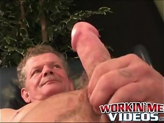 Cumshot,Amateur,Masturbation,Solo,Big Cock,Mature,Tattoo,big dick,workingmenvideos,gay Muscular mature...