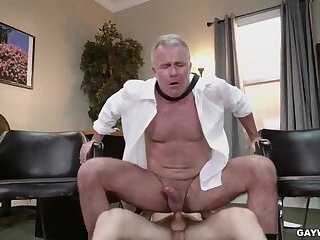Anal,Big Cock,Hunks,Latinos,Office,muscle,gay Banging The Boss