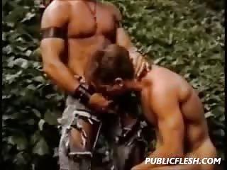 Horny Gay Guys...