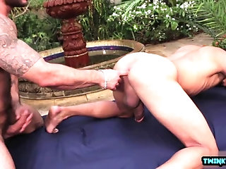 Anal,Outdoors,outdoor,muscle,latin,gay Latin son outdoor...