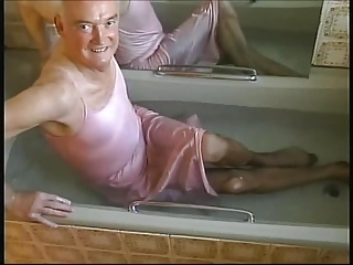 Men (Gay) in the tub this...