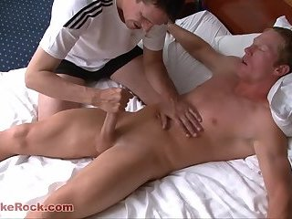 Cumshot,Hunks,Rimming,Blowjob,Massage,seduce,gay Brian Briggs Is...