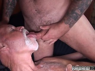 Anal,Cumshot,Bears,Mature,Bareback,gay Polar bear shoots...