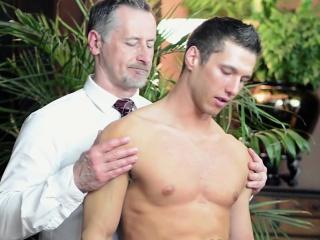 Daddies (Gay),Gays (Gay),Handjob (Gay),Muscle (Gay),Uniform (Gay) Elder cums for...