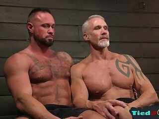 Amateur,Body Builders,Bondage,Mature,Tattoo,gay Silver wolf...