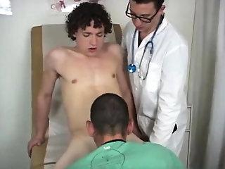 Amateur (Gay),Blowjob (Gay),Gays (Gay),Reality (Gay),Twinks (Gay),Uniform (Gay) Two gay doctors...