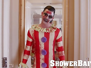 Anal,Fetish,Rimming,Twinks,Blowjob,shower,bathroom,wetting, wet body,wet ass,bathroom sex,Clown,Surprise,gay Creepy HOT CLOWN...