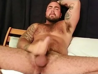 Amateur,Masturbation,Solo,Bears,hairy,gay Nice thick beefy boy