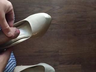 Men (Gay) Cum in Nude Heels