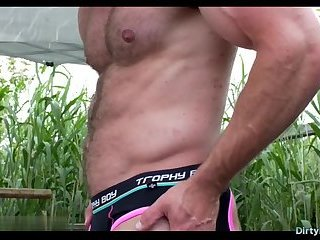 Solo,Hunks,muscle,hairy,gay Hairy bodybuilder...