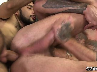 Bareback,oral,anal sex,hardcore,deep throat,big dick,hairy,athletic,gay Sean Duran gets...