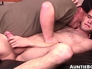 Anal,Cumshot,Dildo,Rimming,Blowjob,Office,big dick,toys,hairy,jock, old-vs-young, anal play,auntiebobs,gay Hairy young gay...