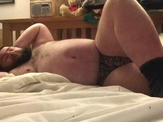 kink;fat;foot;bear;feet;belly;bed,Solo Male;Gay getting socks on,...