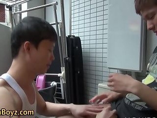 gay Asian twinks suck...