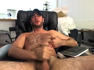 Amateur,Masturbation,Solo,hairy,gay Hairy young...