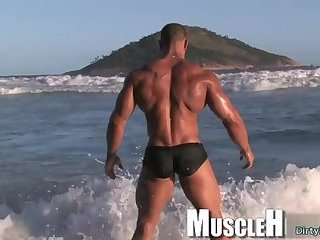Solo,Body Builders,Outdoors,outdoor,big dick,muscle,agent,gay Big dick...