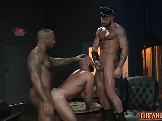 Anal,Cumshot,Hunks,Threesome,bear,muscle,gay Muscle bear...
