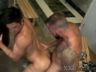 Anal,Cumshot,Masturbation,Big Cock,Hunks,Blowjob,muscle,gay Well hung boxer...