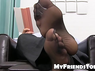 Feet,softcore,hunk,foot fetish,stud,socks,classy, toes,MyFriendsToes,feet fetish,Bare Feet,gay Classy stud takes...