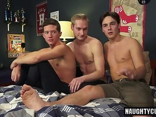 Hot gay threesome...