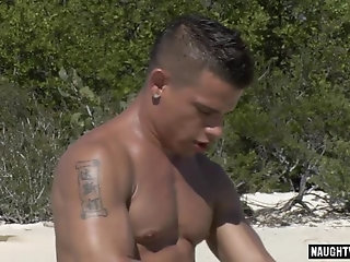 Latinos,Outdoors,Blowjob,gay,outdoor Brunette gay...