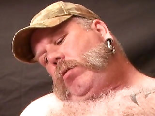 Bear (Gay);Blowjob (Gay);Daddy (Gay);Fat (Gay);Handjob (Gay);Chubby Gay (Gay);Gay Daddy Bear (Gay);Anal (Gay) Favorit Chubbies