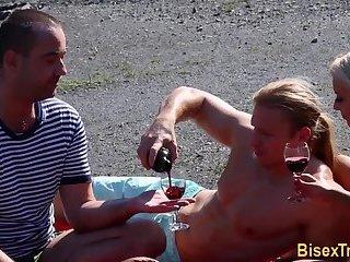 Cumshot,Bisexual,Outdoors,Threesome,Blowjob,gay Slut fucks bisex...