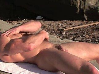 Solo,Body Builders,Outdoors,muscle,hairy,blonde,gay Sexy Ben Kieren...
