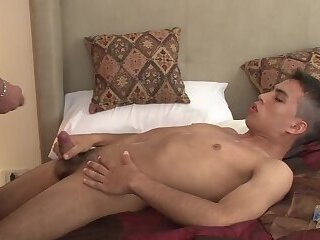 Big Cock,latino,gay bareback,blow job,Old+Young,gay Daddy,lad,teddy,condom free,HD Videos,parent,Hatingthelord,gay My First Daddy -...