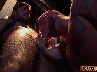 Anal,Hunks,gay,bear,fuck,muscle,hairy ass Muscle bear anal...