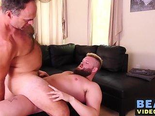 Big Cock,Blowjob,Bareback,bear,gay sex,big dick,hairy,cub,hardcore gay,bearsvideos,gay Experienced bear...