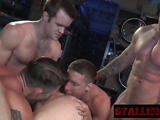 Amateur,Ebony,Party,Rimming,group sex,fuck,orgy,muscled,gay Stud gets ass...