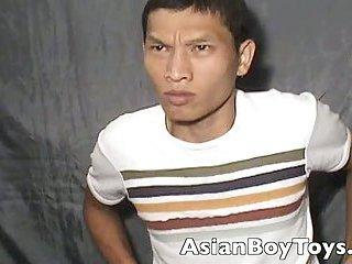 gay Asian Flirt