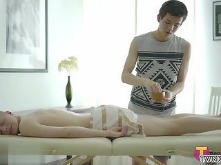 Twinks,Massage,twink,gay Shaved twinks...