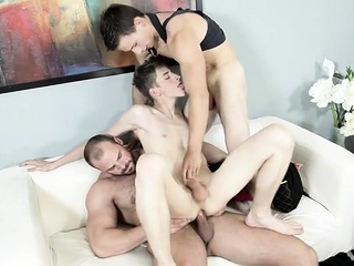 Blowjob (Gay),Daddies (Gay),Gays (Gay),Old+Young (Gay) two gay and young...