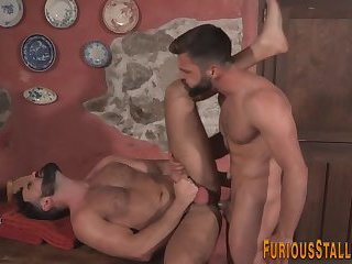 Anal,Cumshot,Big Cock,Bears,Body Builders,Hunks,Rimming,muscled,gay Muscled hung bear...