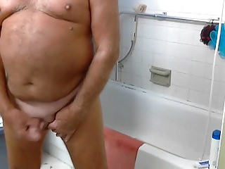 Amateur (Gay);Daddies (Gay);Masturbation (Gay);Webcams (Gay);HD Gays grandpa shower