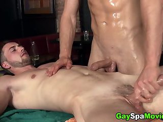 Body Builders,Blowjob,oral,hunk,oiled,muscled,massage sex,gay Muscly straighty...